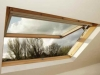 Strešno okno z dvojnim odpiranjem